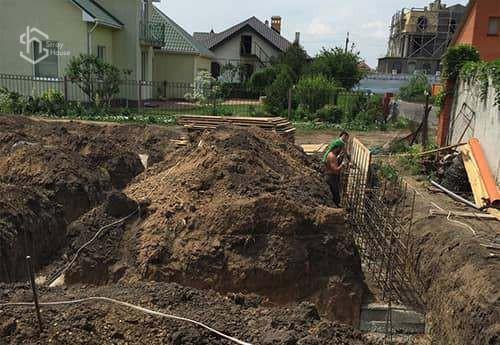 Земляные работы под ключ - котлованы, траншеии, фундамент, колодцы