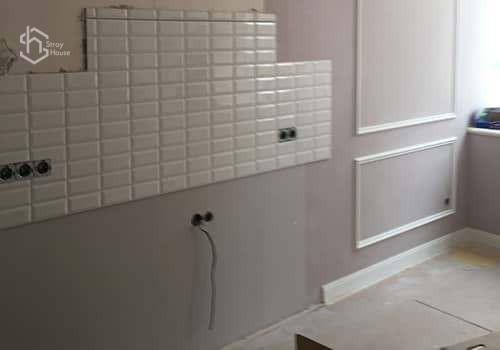 Монтаж плитки на кухне фотогрфии