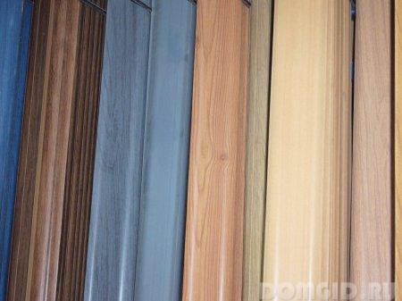 Разновидности напольного плинтуса, какой выбрать и установить. фото 1