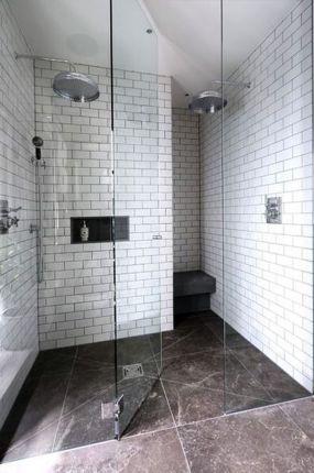 Большая и маленькая плитка для ванной. фото 1